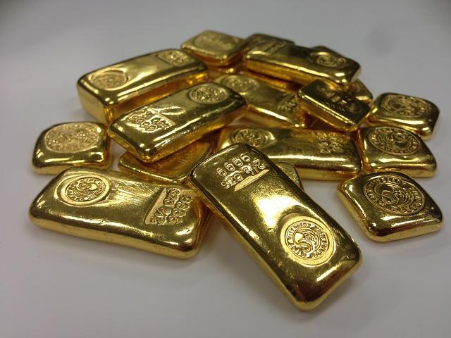 كومة من سبائك الذهب